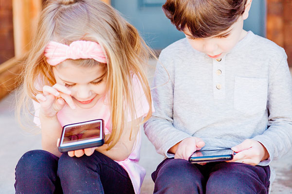 telefon mobil copilasi