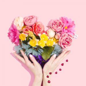 flori cadou pentru 8 martie